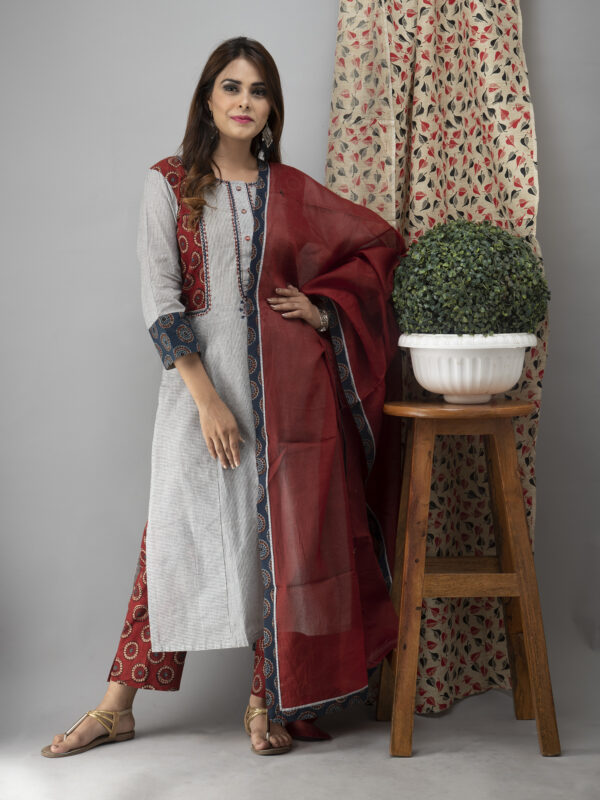 Hand Embroidered Grey Kurta With Ajrakh Pants Front pose 1