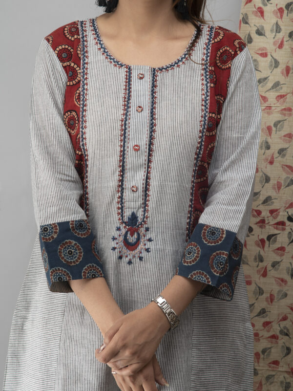 Hand Embroidered Grey Kurta With Ajrakh Pants